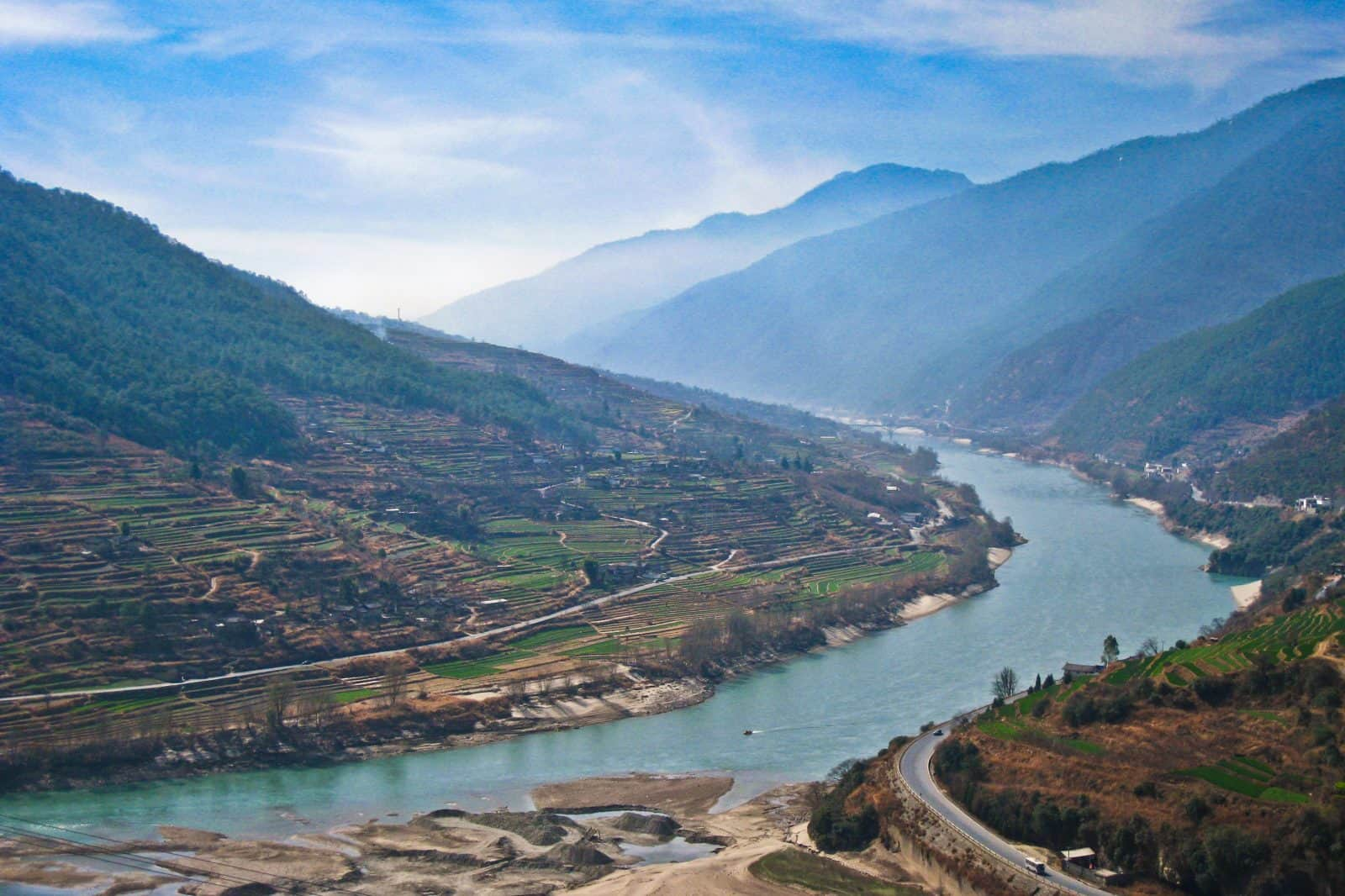 Jinsha River at the beginning of Tiger Leaping Gorge
