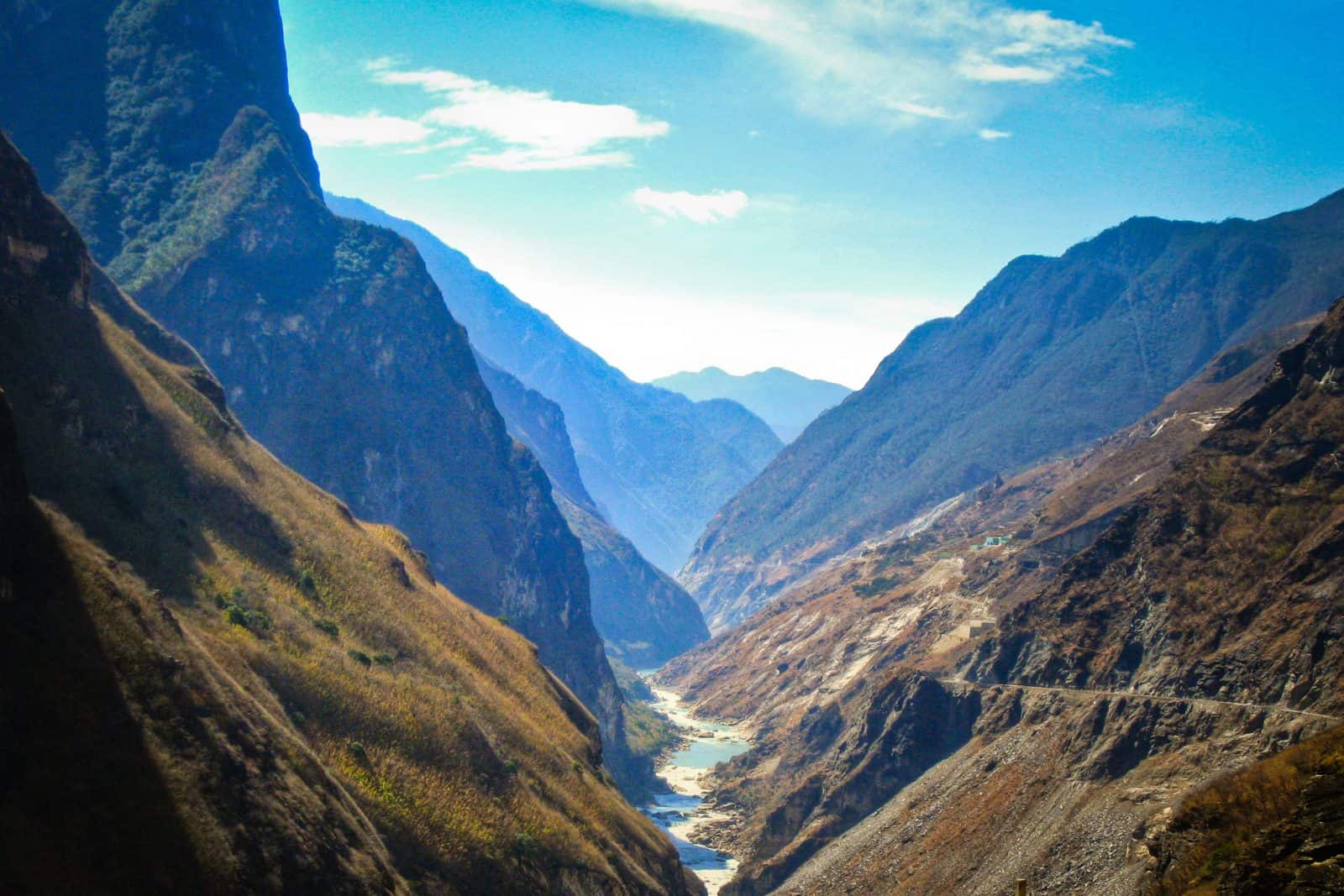 tiger leaping gorge the mountains of southwestern china. Black Bedroom Furniture Sets. Home Design Ideas