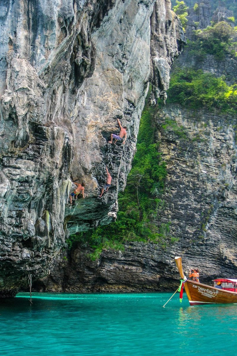 Deep Water Soloing in Tonsai/Railay