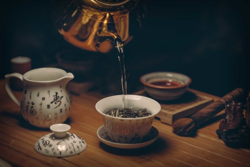 Having tea time in China can turn into a tourist scam easily with overpriced tea.