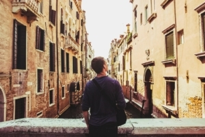 5 Ways You Can Stay in School and Travel the World at the Same Time