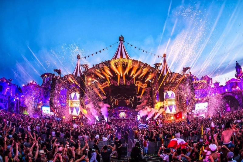 You can make money while traveling by working at music festivals around the world. Is that one of the best travel jobs or what?
