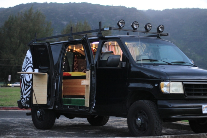 2001 Ford E350 RV rental in Hawaii
