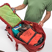 Osprey Farpoint 40 main compartment