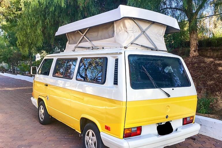 1990 Volkswagen Vanagon in yellow