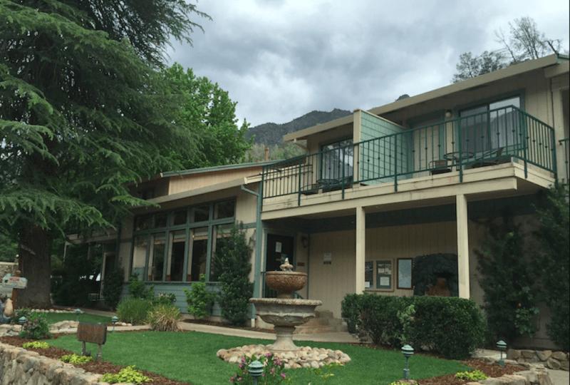 Cedar Lodge, El Portal